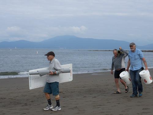 Wreck Beach Bare Buns Run 2015 volunteers